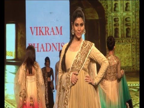 Sakshi Tanwar stunning ramp walk at CARING WITH STYLE Fashion Show.