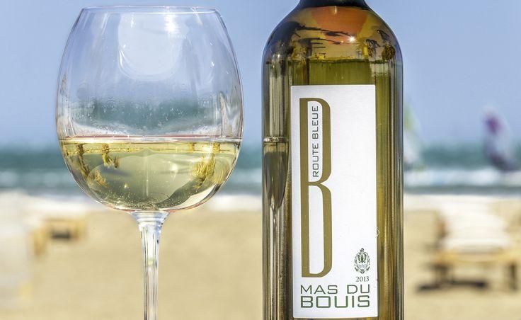 Cuvéee Route Bleue PAYS D'OC IGP 2013 D'une belle robe jaune pâle aux reflets verts, ce vin aux notes de poire, pamplemousse et vanille vous invite à un voyage savoureux. Route Bleue s'accordera parfaitement avec vos fruits de mer, poissons et apéritifs. Cépages : Grenache blanc, Roussanne, Viognier #vin #wine #wineyard #redwine #whitewine #rosewine #PaysdOc #AOP #AOC #Corbieres #IGP #médaille #medal #GuideHubert #GuideHachette #Decanter #Feminalise #CrusdElegance