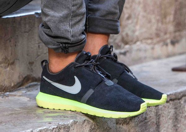 Nike Roshe Run NM (Noire/Fluo)