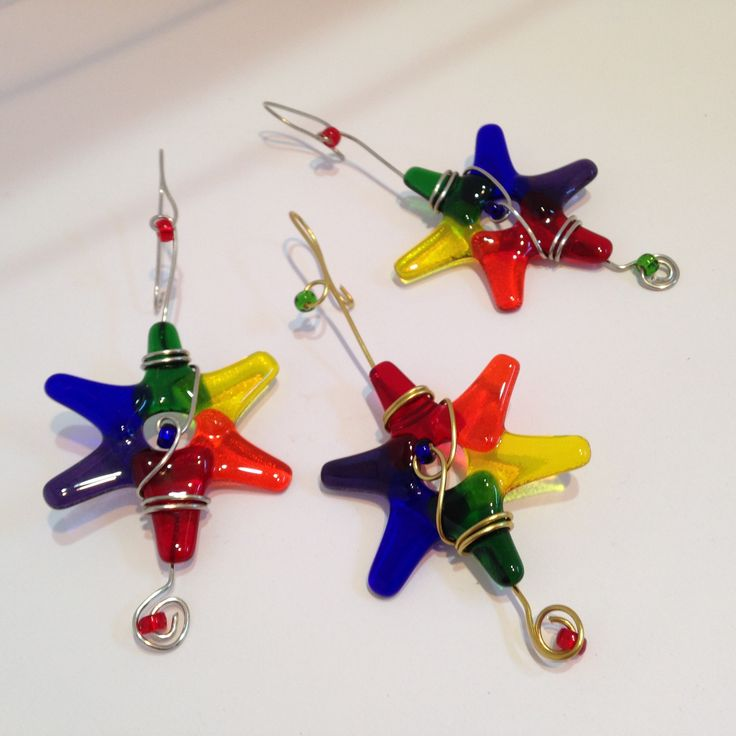 BUY RAINBOW STARS NOW or have them MADE to ORDER in the color of your choice. These unique Fused Glass Star Ornaments are created with System 96 fusible glass in a wide range of color choices. Each is wrapped with Gold or Silver wire and embellished with coordinating glass accent beads. Ready to hang in your window or use as an ornament on your Christmas tree for the holidays. Your stars will be made especially for you. They will ship within 1 week, depending on quantity ordered.  YOUR…
