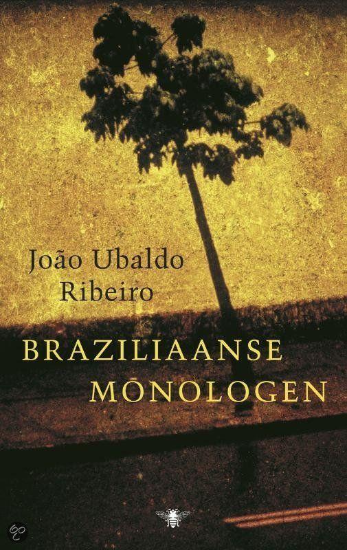 Braziliaanse Monologen - João Ubaldo Ribeiro - ISBN 9789023427698. In Braziliaanse monologen zijn drie fenomenale romans van João Ubaldo Ribeiro gebundeld, die samen een overweldigend beeld geven van Brazilië in de twintigste eeuw. Samen vormen de drie klassiekers een mooie getuigenis van het grootmeesterschap van Ribeiro. GRATIS VERZENDING IN BELGIË - BESTELLEN BIJ TOPBOOKS VIA BOL COM OF VERDER LEZEN? DUBBELKLIK OP BOVENSTAANDE FOTO!