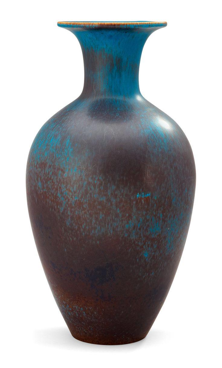 A Gunnar Nylund stoneware vase, Rörstrand 1950's-60's. Height 44 cm.. - Modern Autumn Sale, Stockholm – Bukowskis