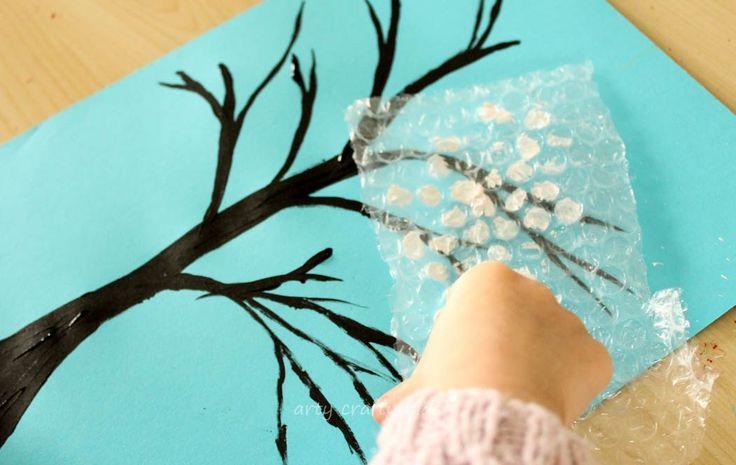 Arty Crafty Kids - Art - Winter Craft - Winter Bubble Wrap Tree