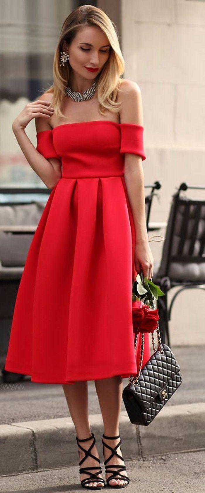 idée-tenue-soirée-chic-détail-choc-robe-rouge-aux-épaules-dénudées