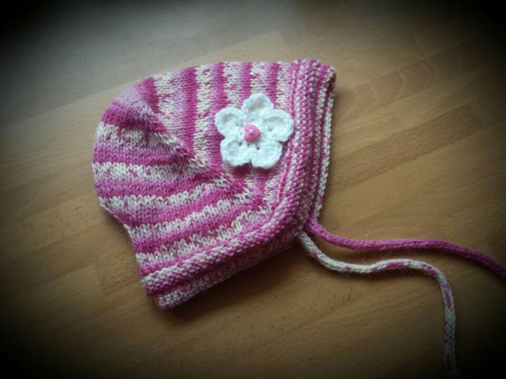 Baby hat,  vauvan neulottu myssy