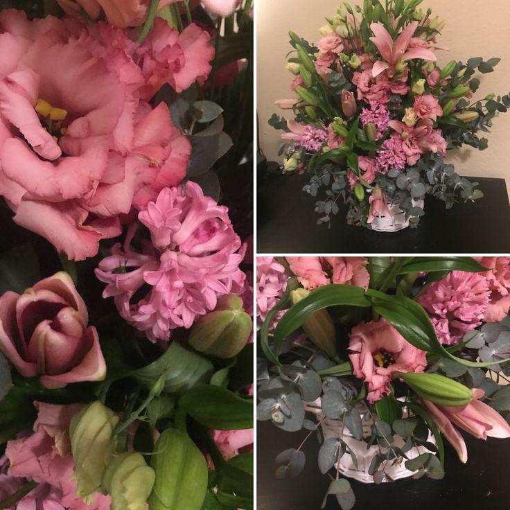 pink virágkosár