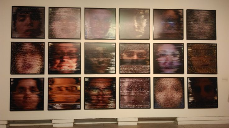 "Daniel Cruz (CL) ""DeskPortrait, Serie Gráfica"" 2013 18 Impresiones Digitales sobre sintra 3mm. 90x90cm c/u"