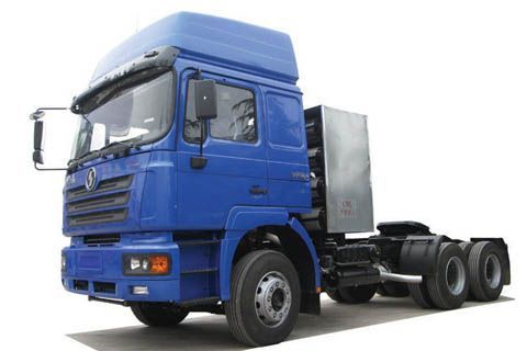 Shacman CNG tractor