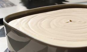 Försvinnande god glass som vispas ihop på 10 minuter och som inte behöver så lång framförhållning. Vispa på eftermiddagen och desserten är klar till kv