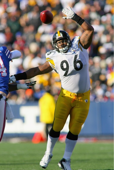 Ziggy Hood Photo - Pittsburgh Steelers v Buffalo Bills