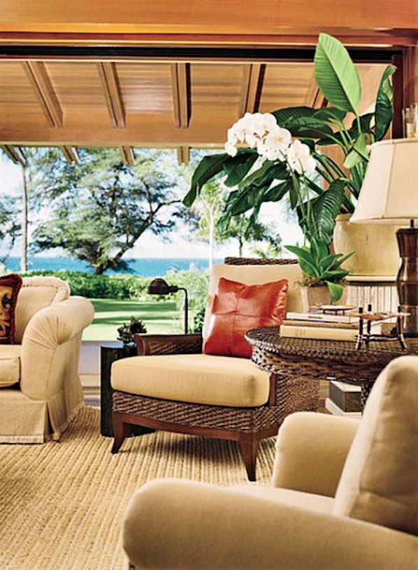Living room hawaiian cottage with tropical flowers and for Tropical themed house