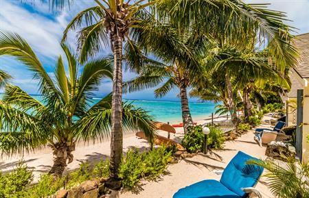 Absolute Beachfront Villa Cooks Bay Villas