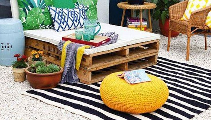Day bed made out of pallets image facebook pallet - Reciclaje de pales ...