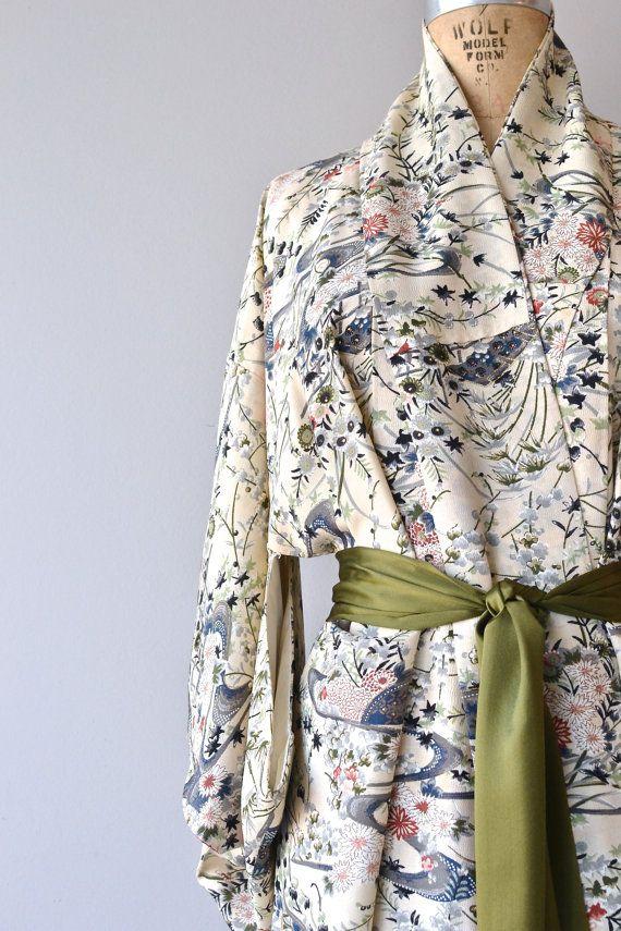 Aki Hana kimono silk kimono robe vintage japanese by DearGolden