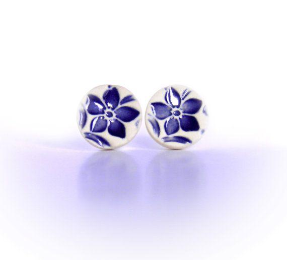 Navy blue flower stud earrings Ceramic studs Small. Sterling silver Blue flower earrings Blue and white Cute clay earrings Navy blue jewelry