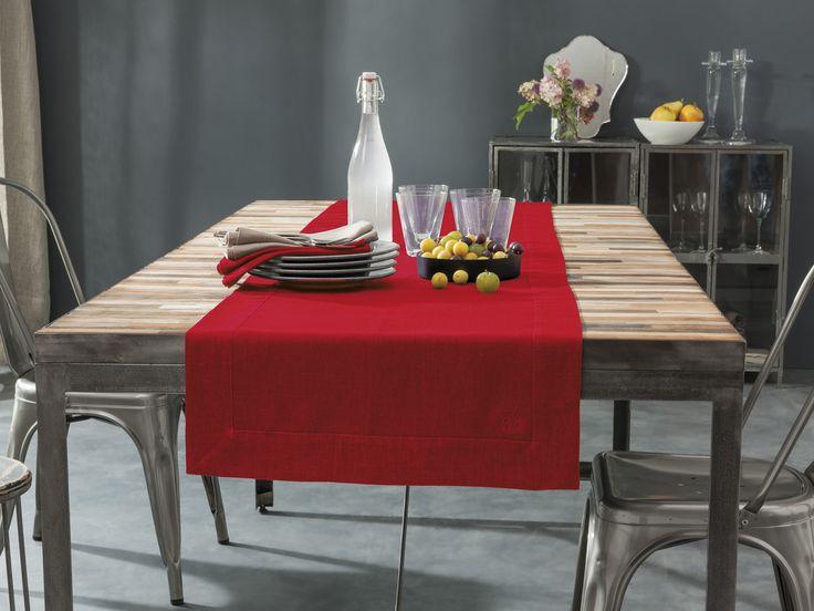 Linge de Table - Chemin de table brodé 100% Lin - Rouge -  Blanc Cerise. Traité déperlant. www.blanc-cerise.com