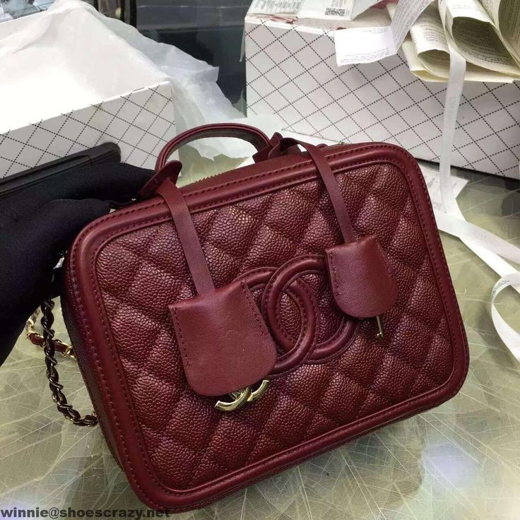 2123 best bag images on pinterest bags flat lay and baggage for Chanel collection miroir 4179
