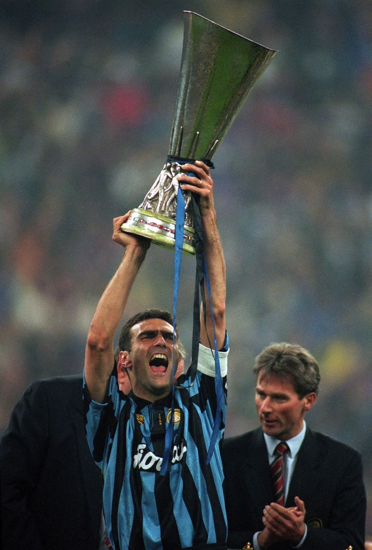 "Giuseppe ""Beppe"" Bergomi (FC Inter Milan, 1979–1999, 519 apps, 23 goals)"