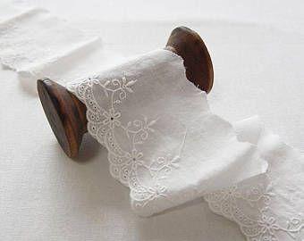 Bordado de encaje de algodón de ojete recortar por la yarda (anchura de 7 cm) 86745 marfil