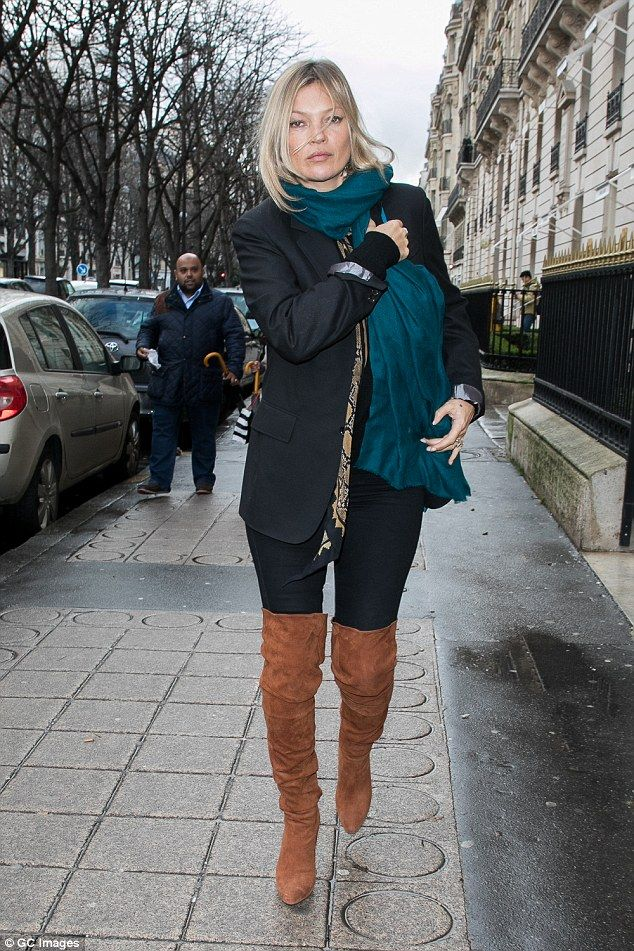 Kate Moss flaunts statuesque frame in thigh-high boots | Daily Mail Online