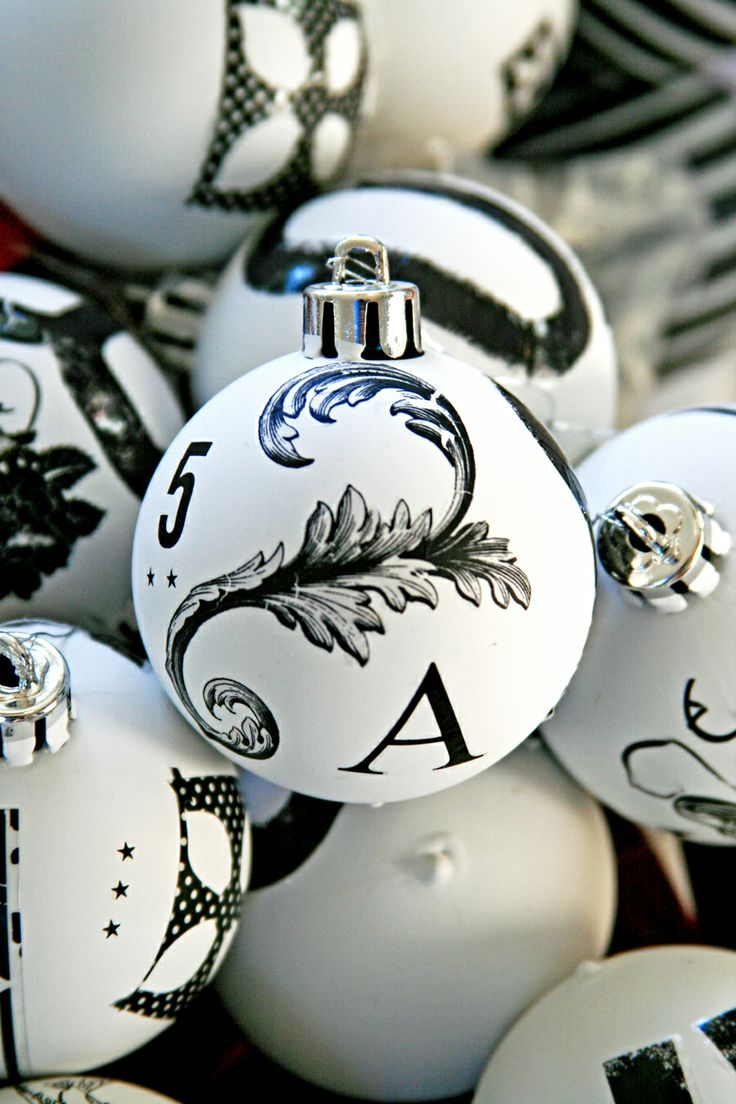 White christmas tree with black decorations - Black And White Christmas Ornaments Andrea Black And White Obsession Thought Of You