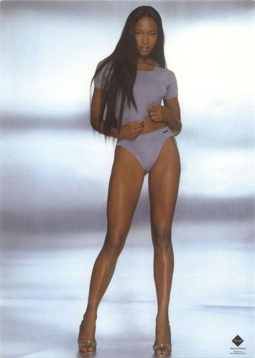 Throwback Thursday: Naomi Campbell pe catwalk | Civilizatia | Revista de moda frumusete si stil de viata