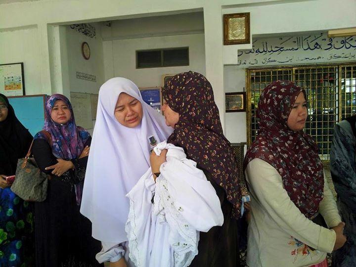 Dugaan fatin Najhan kehilangan bapa tersayang di hari pertama SPM: Terpaksa kembali ke sekolah untuk jawab kertas BM2 setelah hadiri pengkebumian
