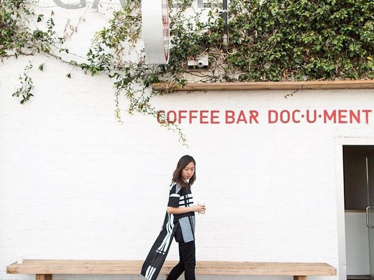 The new coffee clutch crowd more fashionable than ever.