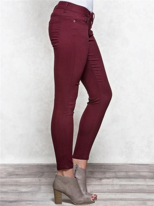Sasha Skinny Colored Jeans – A higher rise with a contoured waist, this Sasha Curvy jean comes in a multiple washes & colors with a skinny leg. (Pictured in 'Wine'.)