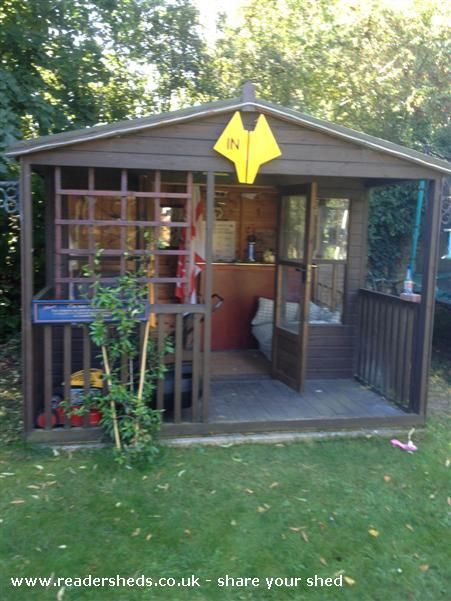26 best images about pub sheds on pinterest for Garden shed bar