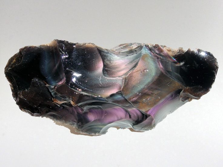 Obsidian Rainbow has beautiful colours dancing on the ...