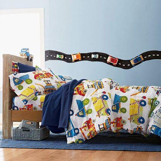 Kinderkamer & auto. Meer kinderkamer inspiratie vind je op http://www.wonenonline.nl/slaapkamers/kinderkamer/