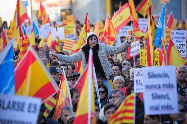 "Spanish govt vows to block Catalan independence poll - AFP. Spain's government vowed Thursday to block Catalonia's plan to hold an independence poll on November 9 next year. ""The poll will not be held,"" Justice Minister Alberto Ruiz-Gallardon told journalists just moments after Catalonia's president Artur Mas announced a deal among regional parties for the date and wording of a referendum."