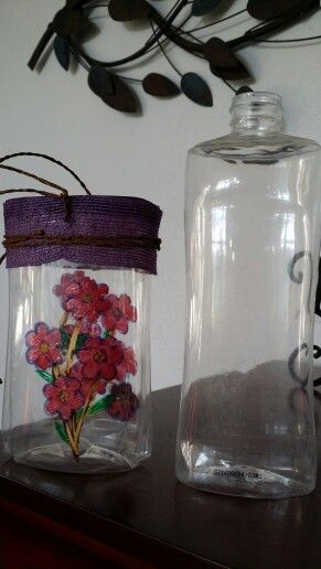 Botellita plástica adornada