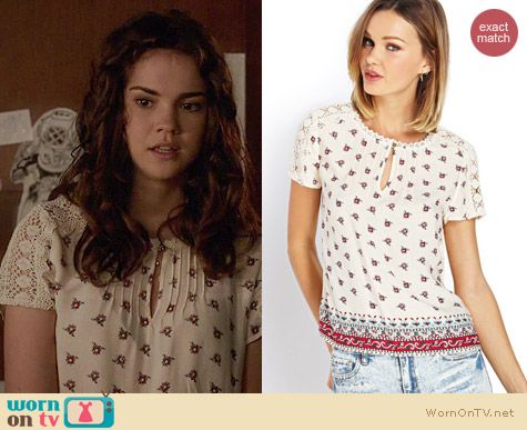 Callie's white floral top with crochet sleeves on The Fosters. Outfit Details: http://wornontv.net/34542/ #TheFosters