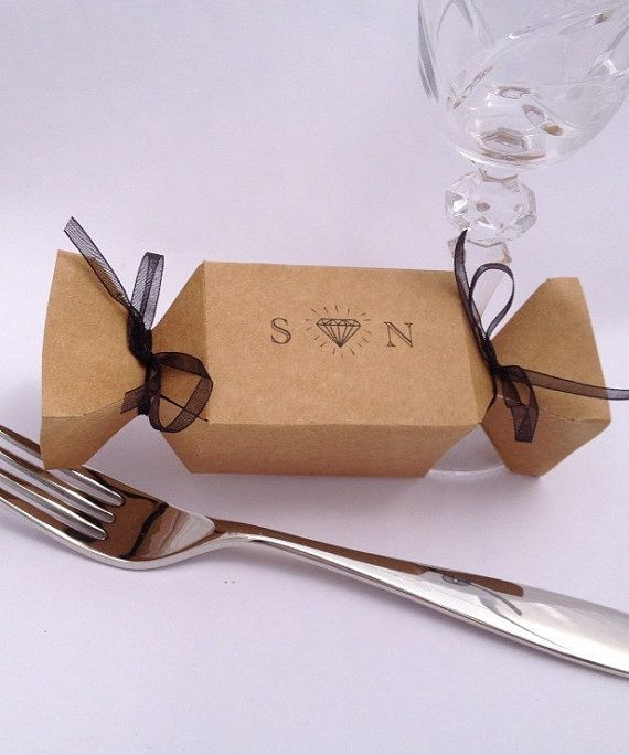 Custom wedding cracker favor boxes for easy DIY by PipandtheSea