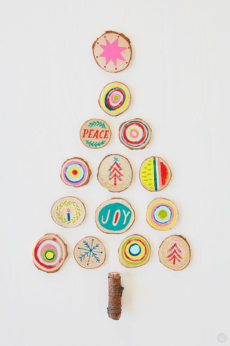 Modern Christmas Decor Ideas | thinkmakeshareblog.com