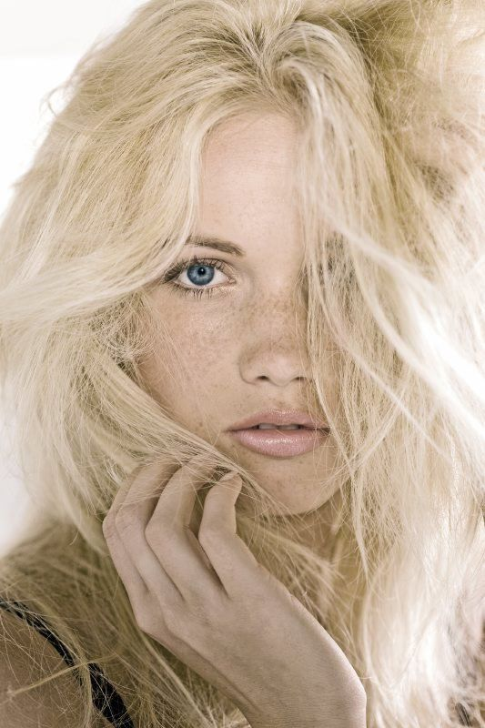 women model blonde freckles - photo #9