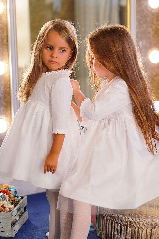 http://www.luciasecasa.com/labodadelucia/damas-de-honor-bodas/