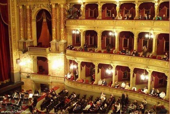 The World Is Full Of Beautiful Opera Houses Opera House Opera Budapest