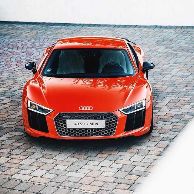 0 60 In 3 2 Seconds Top Speed 205 Mph The New Audi R8 Is One Of The World S Fastest Wifi Hotspots Wantanr8 Regram Via Genera New Audi R8 Audi Audi R8