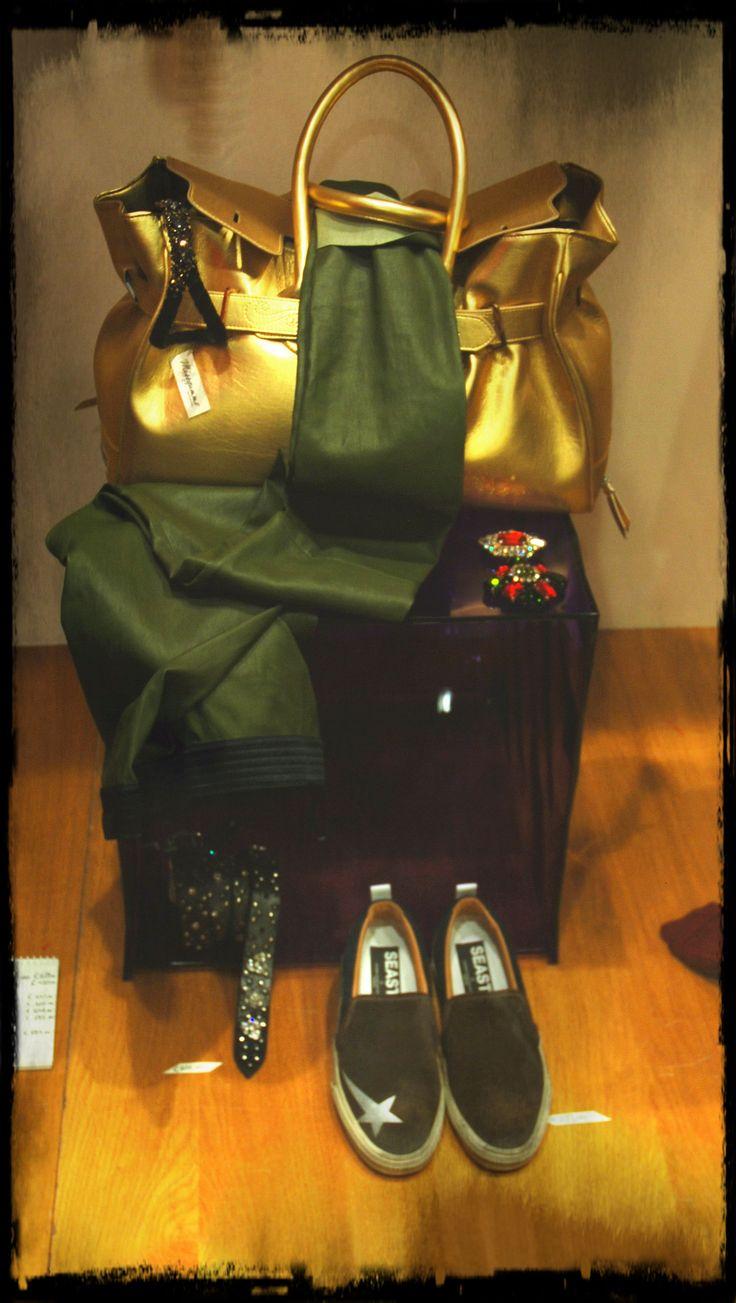 Golden Goose Bag Gold Drome leather pants Golden Goose seastar sneakers