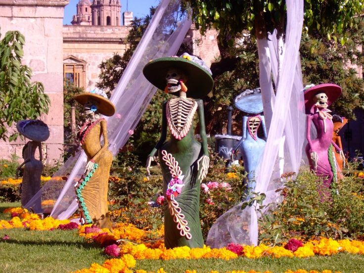 La fête des morts au Mexique : mélange de croyances précolombiennes et de catholicisme   Locita.com