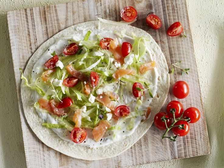 Tortillataart met gerookte vis
