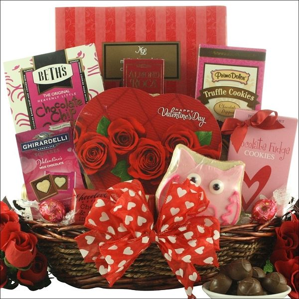 25 unique chocolate gift baskets ideas on pinterest small gifts sweet valentine chocolate gift basket sweet valentine chocolate gift basketssend them this gift basket full of yummy deliciousness negle Images