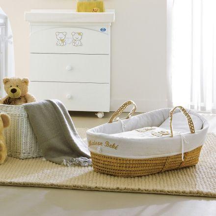 Babykorb 'Zwei Teddybären' komplett augestattet