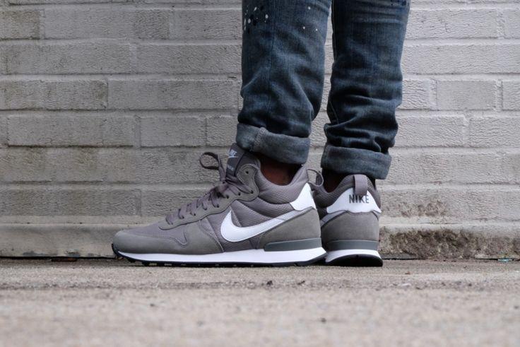Nike Internationalist Mid Tumbled Grey / White - White - 859478-002