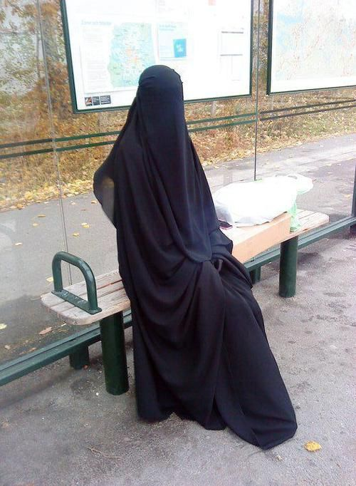such a powerful picture of niqab done right.