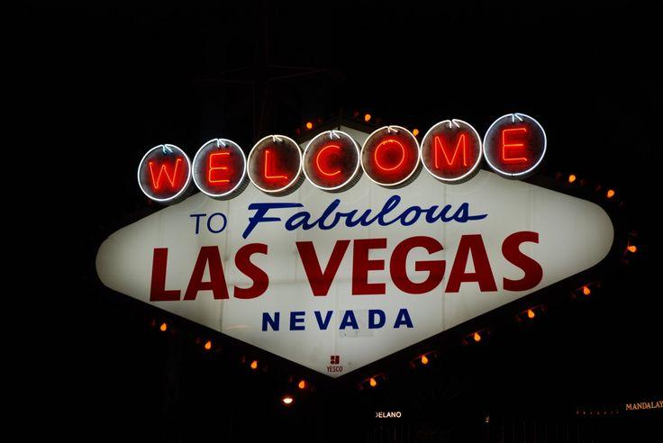 Las Vegas de noche: espectáculos y Fremont Street