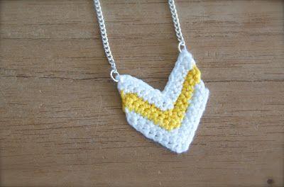 Crochet Chevron Necklace - Pattern ❥ ✿⊱╮Teresa Restegui http://www.pinterest.com/teretegui/✿⊱╮